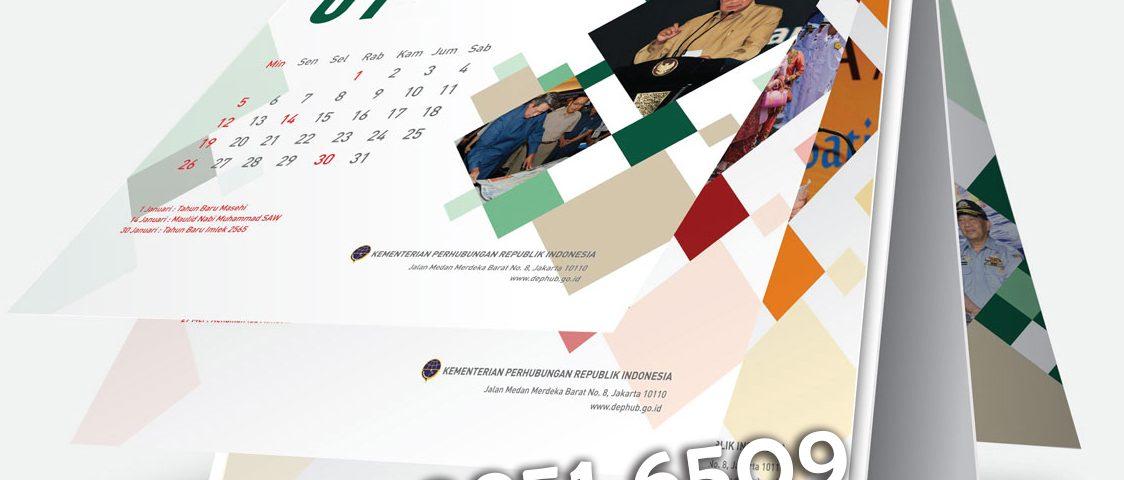 40+ Cara Membuat Desain Kalender Meja Dengan Photoshop